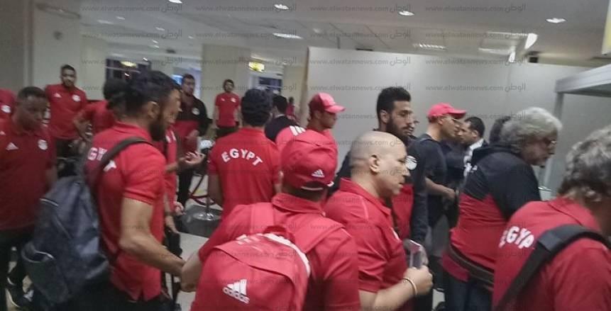 وصول بعثة منتخب مصر لأوغندا لخوض مباراة تصفيات كأس العالم