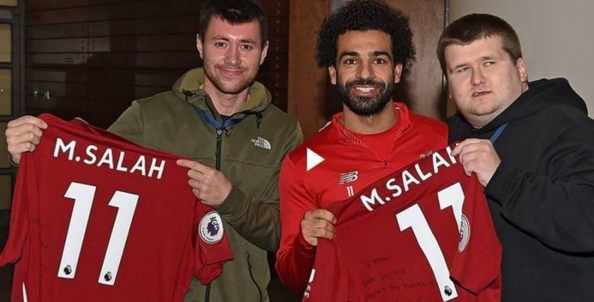 بالفيديو. ليفربول ينشر مشوار المُشجع الكفيف مع الريدز.. ويُبرز لقائه بصلاح