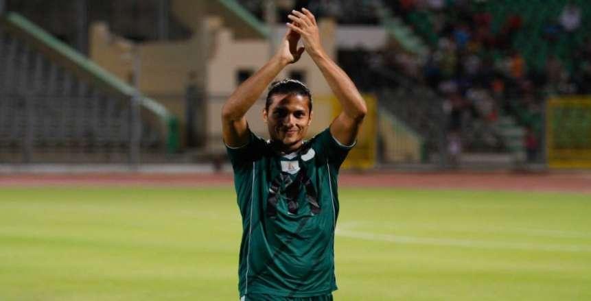 80دقيقة| المصري يستكمل اللقاء بـ10 لاعبين بعد إصابة إسلام صلاح