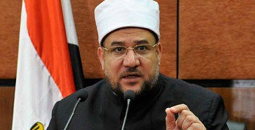 وزير الأوقاف ردا على سؤال يونس: المراهنات حرام شرعا وتعد قمار