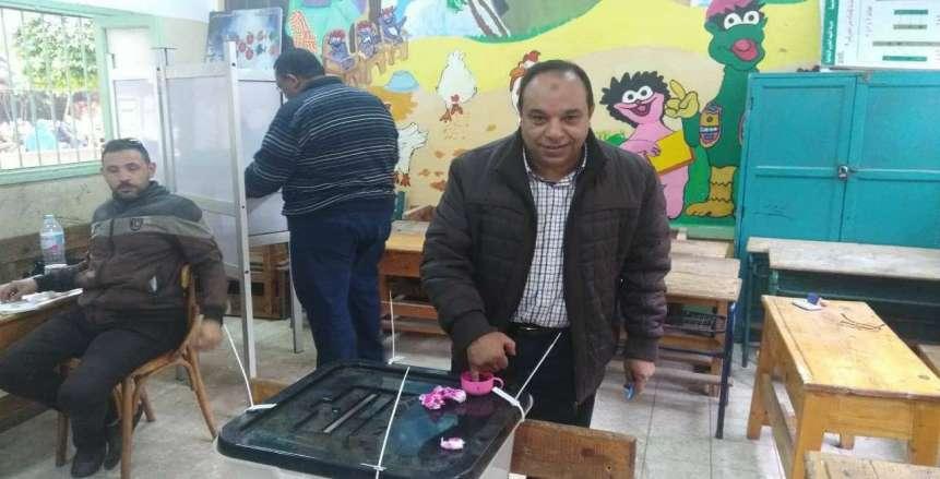 رئيس اتحاد تنس الطاولة يدلي بصوته في انتخابات الرئاسة