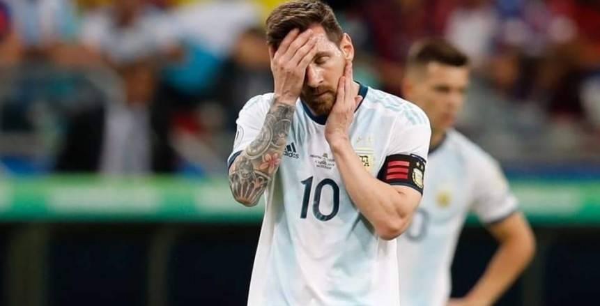 الحسرة تسيطر على ميسي بعد خسارة الأرجنتين أمام كولومبيا بهدفين في كوبا أمريكا