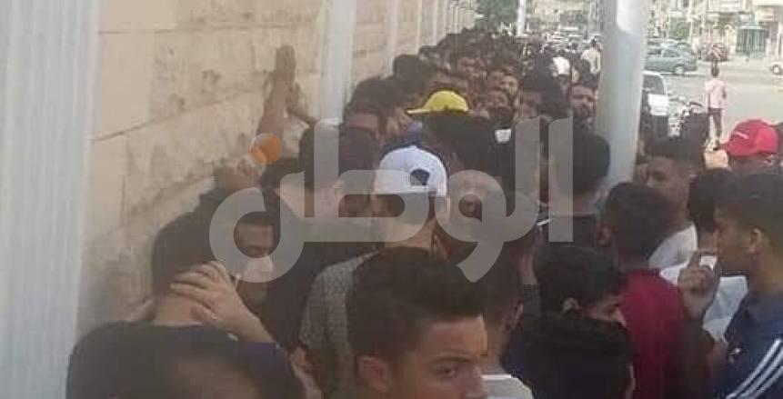 بالصور.. جماهير الإسماعيلي تتوافد على منافذ تذاكر مباراة أهلي بنغازي
