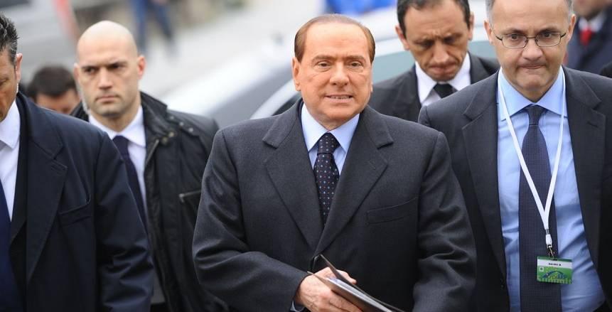 """استقالة أعضاء مجلس إدارة """"ميلان الإيطالي"""" قبل يوم واحد من بيع النادي"""
