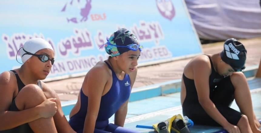 """""""الجزيرة"""" يتصدر المرحلة الثالثة لنهائيات كأس مصر للسباحة بالزعانف"""