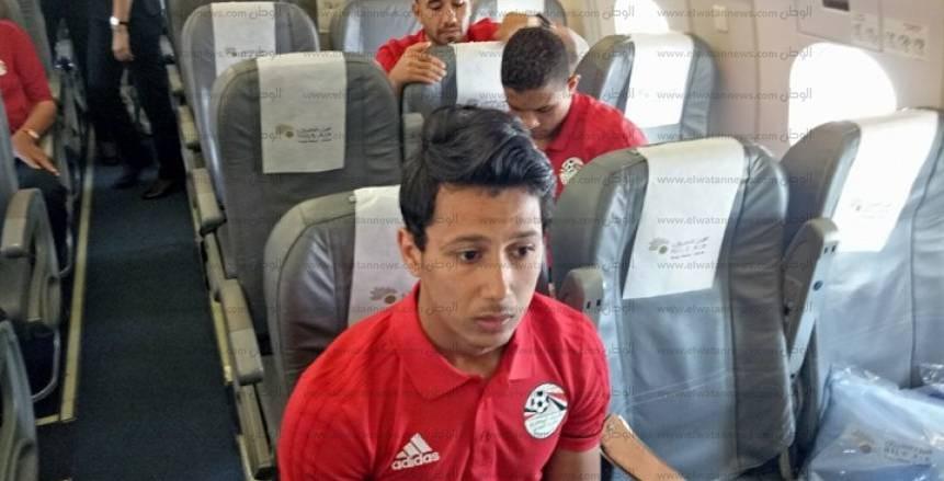 بالصور| بعثة منتخب مصر داخل الطائرة