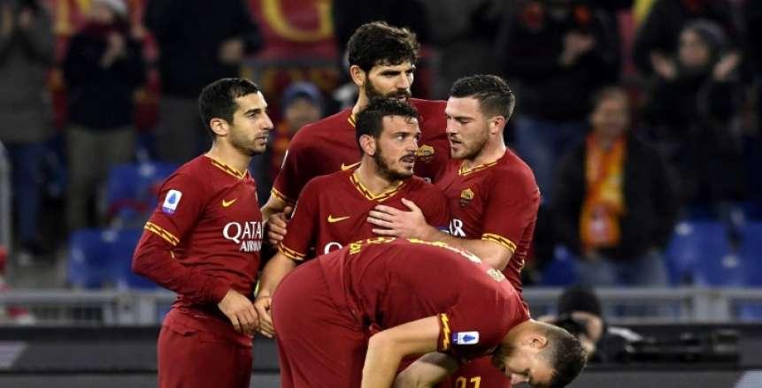 """روما يهزم تورينو بـ""""ريمونتادا"""" مثيرة ويحجز المقعد الأخير بدوري الأبطال"""