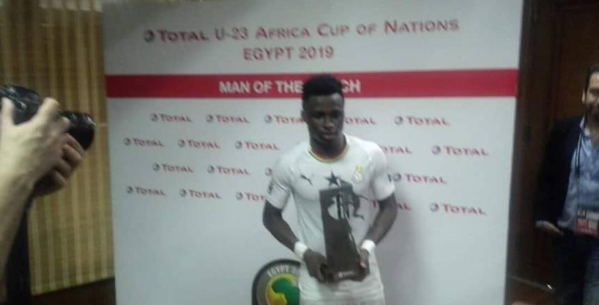 إيفانز منساه يحصد جائزة رجل مباراة غانا والكاميرون