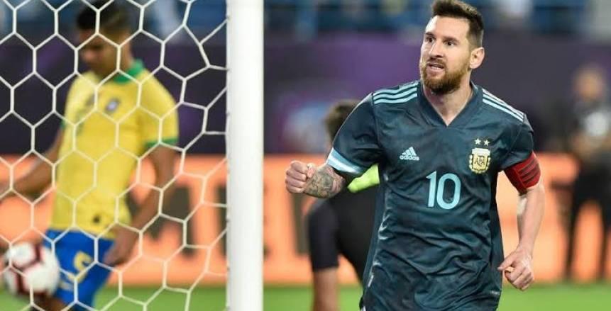 سكالوني يكشف موقف ميسي وأجويرو من مباراة أوروجواي