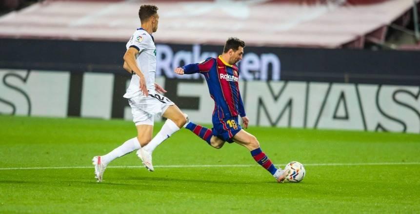 قطار ميسي يتخطى الجميع.. قائد برشلونة يحطم الأرقام القياسية ضد خيتافي