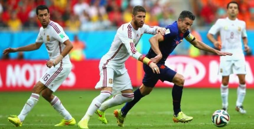 فيفا يدعم البقاء بالمنازل ببث لقاء إسبانيا وهولندا في كأس العالم الرابعة عصرا