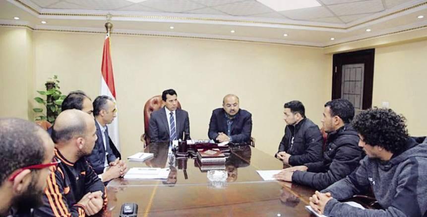 الزمالك ينتظر قرار الوزير بشأن الجمعية العمومية.. وتهديدات بالتصعيد الدولي