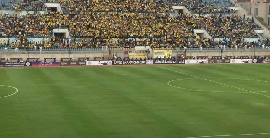 مدير أمن الإسماعيلية في جولة تفقدية داخل ملعب مباراة الإسماعيلي والإفريقي