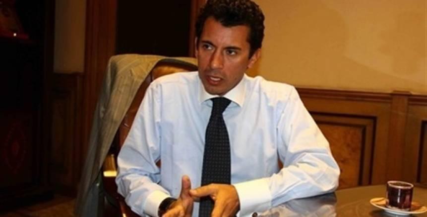 بالصور| أشرف صبحي يطير إلى تونس لمؤازرة «الأهلي» أمام «الترجي»