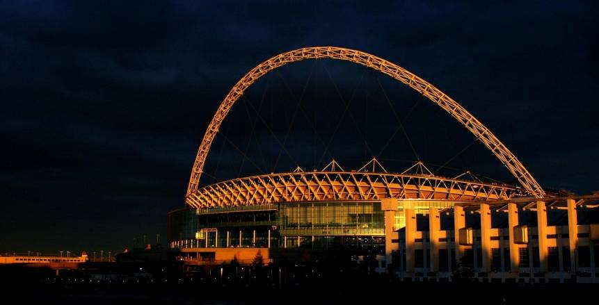 الحكومة الإنجليزية توافق على ودية إنجلترا وويلز بدون جمهور