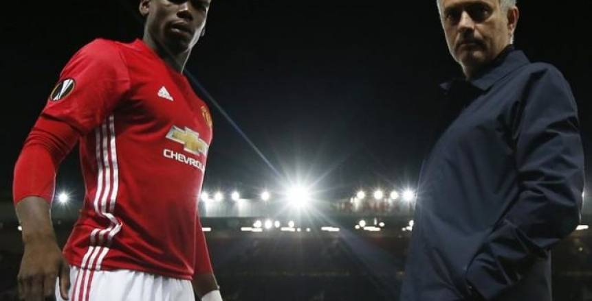تقرير.. بوجبا يخبر زملائه في مانشستر يونايتد برغبته في الرحيل لبرشلونة