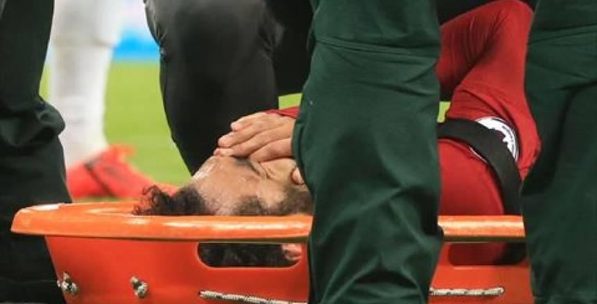 القصة الكاملة في إصابة محمد صلاح وتطوراتها وإمكانية مشاركته أمام برشلونة