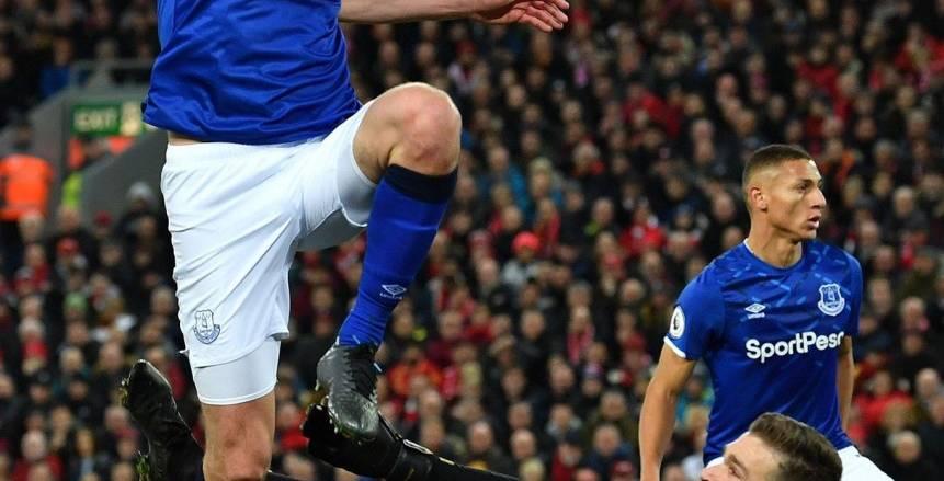 ليفربول يتحدى إيفرتون على ملعب أنفيلد في الدوري الإنجليزي