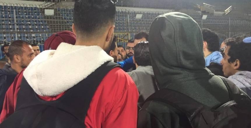 جنش يعتدي على أحد المصورين عقب خسارة الزمالك أمام بيراميدز