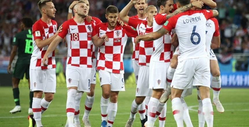 كرواتيا تتسلح بالجمهور لتخطى انضباط الدنمارك بثُمن النهائى