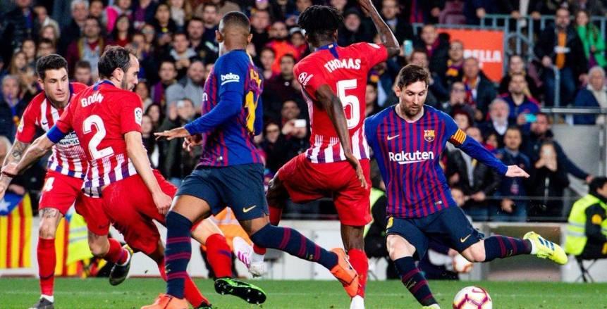 برشلونة يهزم أتلتيكو مدريد بثنائية ويقترب من حسم الليجا