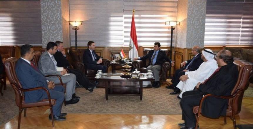 وزير الرياضة يلتقي رئيس الاتحاد الدولي والعربي للدراجات