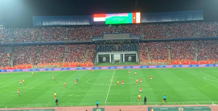 انتهاء الشوط الأول بين مصر والكاميرون بالتعادل الإيجابي (فيديو)