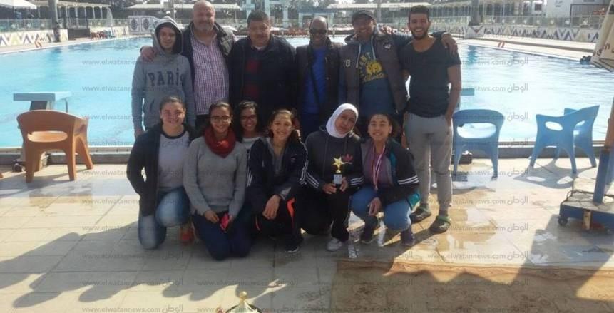منتخب القاهرة بطل المناطق في السباحة بالزعانف