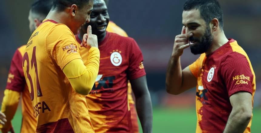 مصطفى محمد يتوج بـ لاعب الشهر في الدوري التركي «صورة»