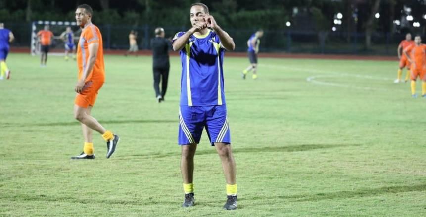 بالصور| أساطير أفريقيا في مباراة استعراضية بحضور وزير الشباب والرياضة