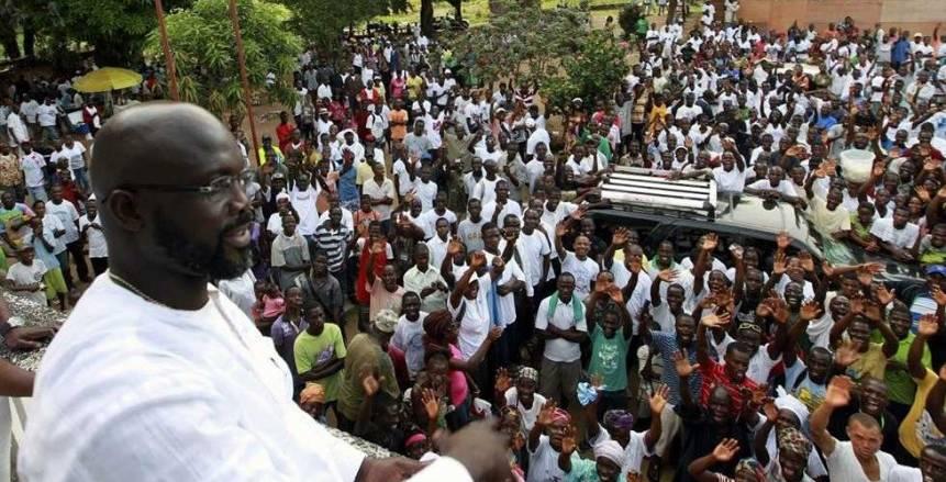 بالفيديو| «جورج ويا».. تقني الاتصالات المتوج برئاسة جمهورية ليبيريا