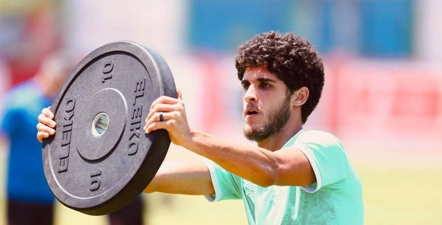 أحمد الشيخ يشارك في مران الأهلي.. وفايلر يتابع التدريبات من خارج الملعب