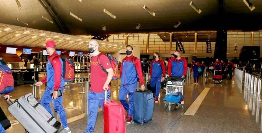 وصول بعثة منتخب قطر لكرة اليد إلى مطار برج العرب على متن طائرة خاصة