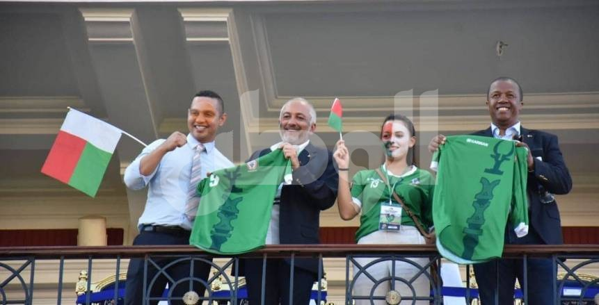 رئيس مدغشقر وأحمد أحمد يحضران مواجهة تونس في دور الـ8 بأمم أفريقيا