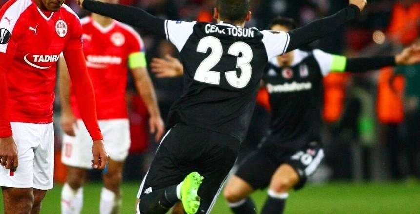 """هدف """"توسن"""" في الشباك الإسرائيلية ينال لقب الأفضل في الدوري الأوروبي"""