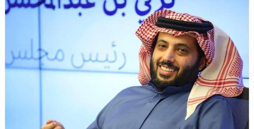 تركي آل الشيخ يهاجم نجم الأهلي.. ويتسائل: أين تكافؤ الفرص؟