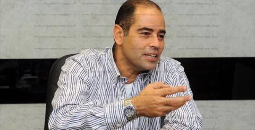 «لهيطة» يكشف حقيقة تأجيل مباراة مصر والنيجر