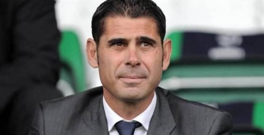 حازم إمام يستنكر تولي «هييرو» قيادة المنتخب الإسباني: «اختيار غريب»