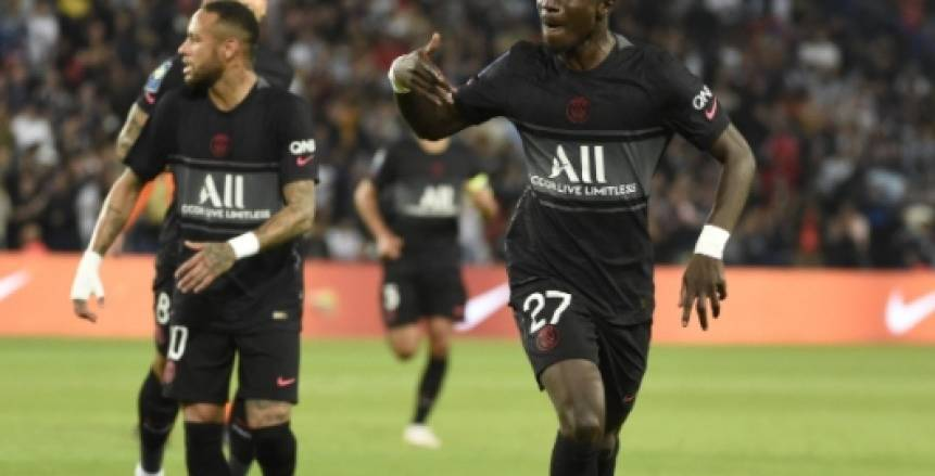باريس سان جيرمان يفوز على مونبلييه ويتصدر الدوري الفرنسي في غياب ميسي