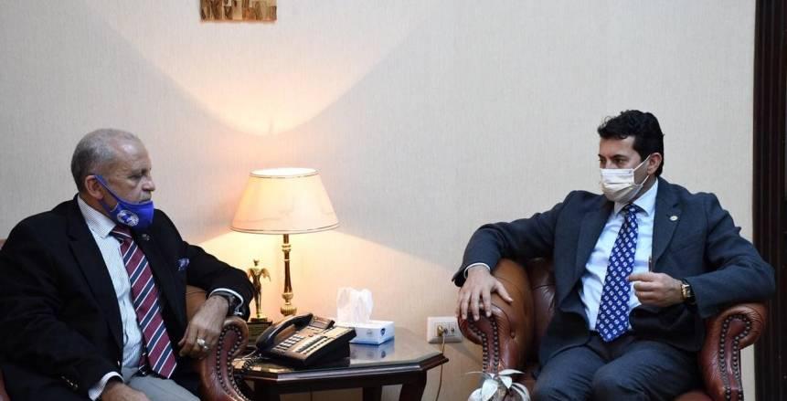 وزير الرياضة يناقش مع رئيس اتحاد الرجبي ملف تنظيم البطولة العربية