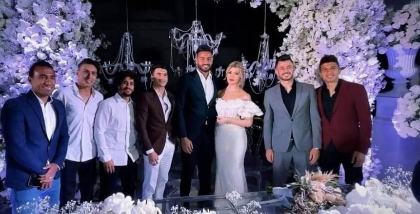 هل تتخلى ملكة جمال الجزائر عن مساندة المولودية من أجل عيون أبو جبل؟