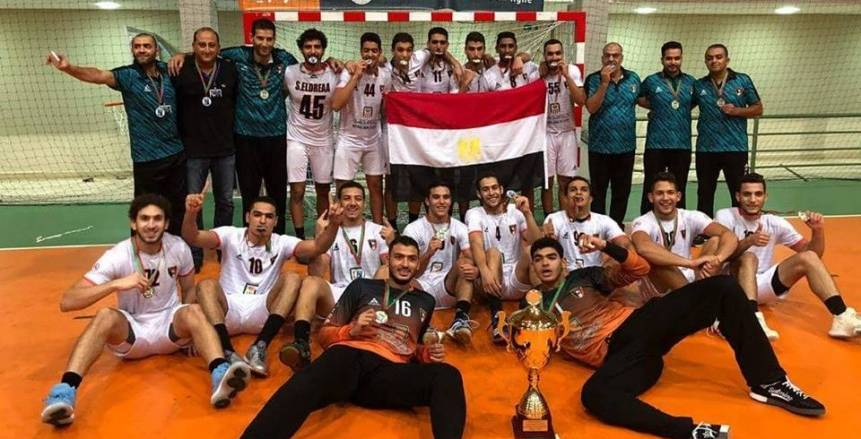 أشرف صبحي يهنئ منتخب مصر لليد تحت ٢٠ سنة بحصوله على اللقب الأفريقي