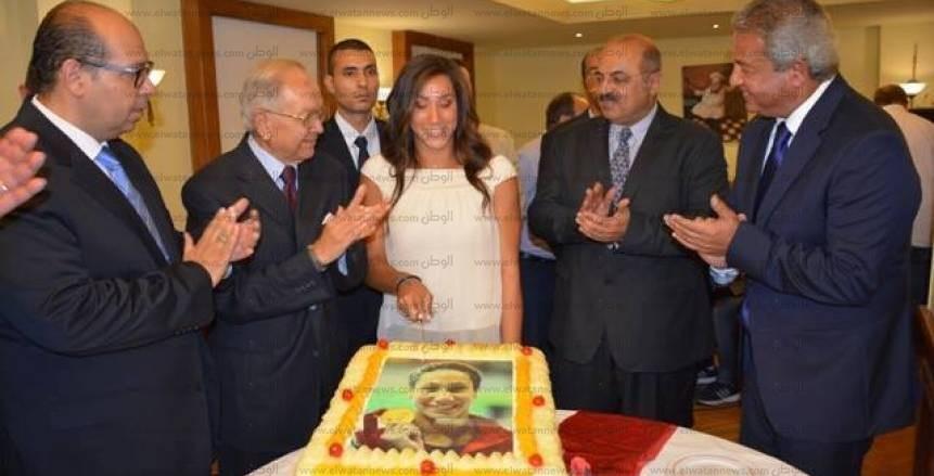 تكريم السباحة المصرية فريدة عثمان