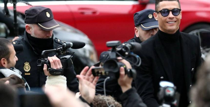 «رونالدو» يوافق على السجن 23 شهرا ودفع 21 مليون دولار