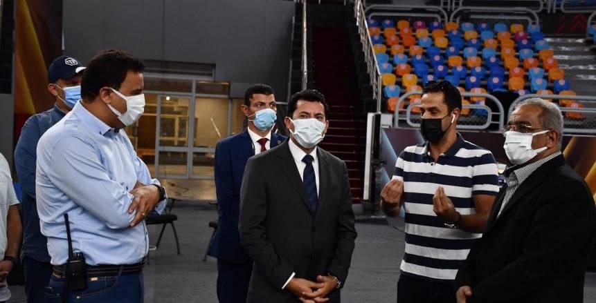 وزير الرياضة يتفقد ستاد القاهرة الدولياستعدادا لكأس العالم للجمباز