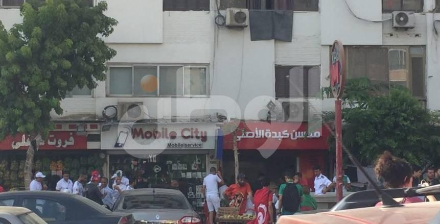 """توافد جماهير الجزائر على ستاد القاهرة.. وعلم مصر  """"بطل المشهد"""""""