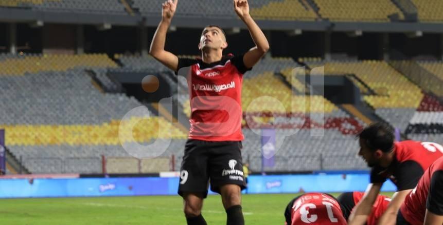 فرحة أحمد سمير بإحرازه هدفين للطلائع بمرمى الزمالك والتأهل لنهائي الكأس