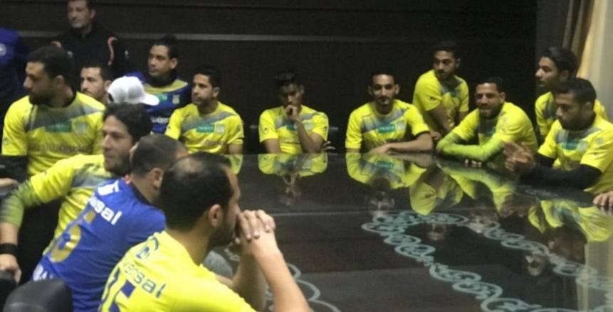 رئيس نادي طنطا يجتمع مع اللاعبين محذرا من سيناريو الرجاء