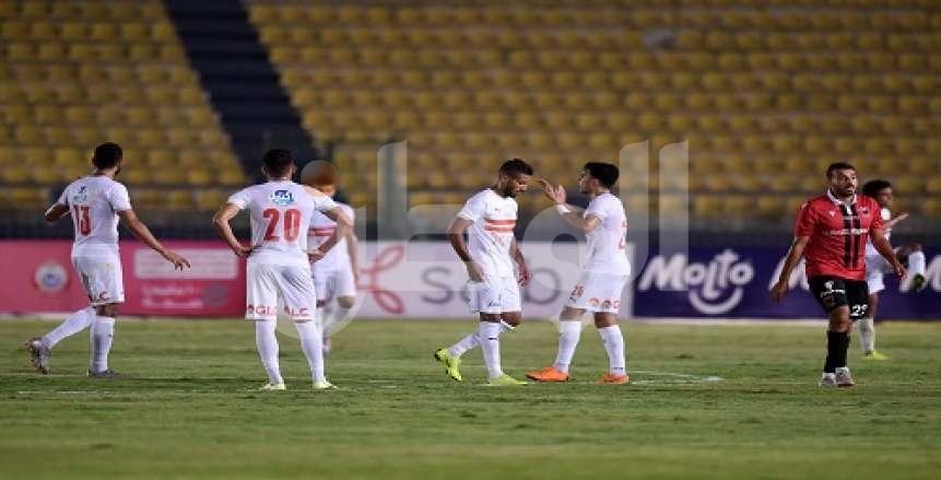 VAR يلغي ركلة جزاء للزمالك ويتسبب في طرد لاعب نادي مصر