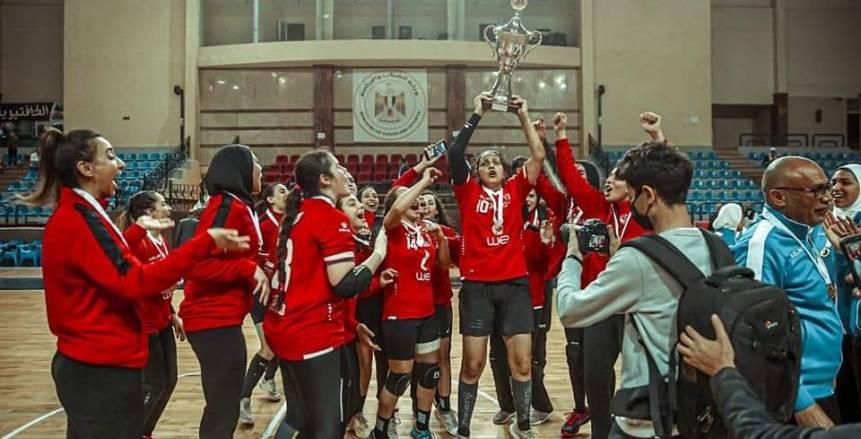 تتويج لاعبات الأهلي بلقب كأس مصر لكرة اليد